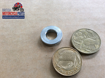03-3195 SEAT KNOB SPACER - COMMANDO MK3
