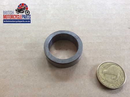 04-0472 KICKSTART SHAFT BUSH - OUTER (IN COVER)