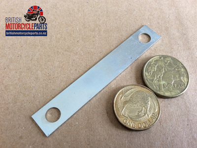 06-0925 LOCKING STRIP - LONG 3 1/4 CENTRES