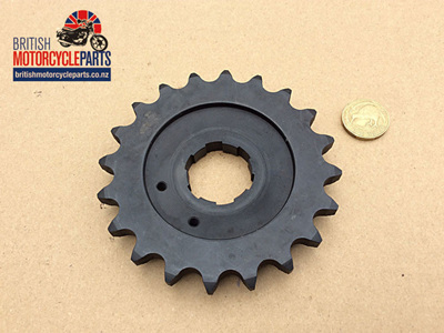 06-0931 Gearbox Sprocket 20 Tooth - Commando