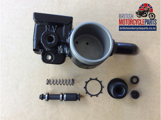 06-1939/13 Front Master Cylinder Body Assembly - 750 850 Commando - Auckland NZ
