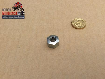 21-0685 Pinch Bolt Seated Nut UNF - Triumph