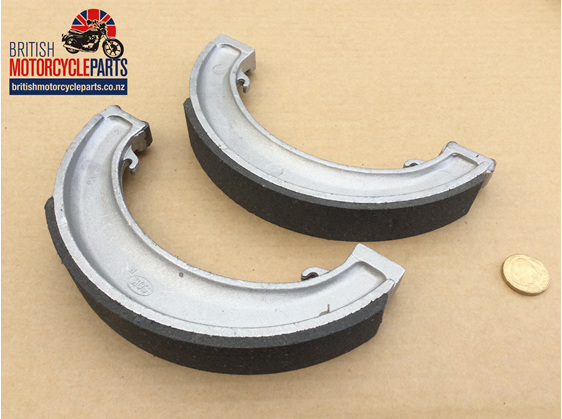 "37-1410 37-1411 Brake Shoes - Triumph 8"" SLS - British Motorcycle Parts AKL NZ"