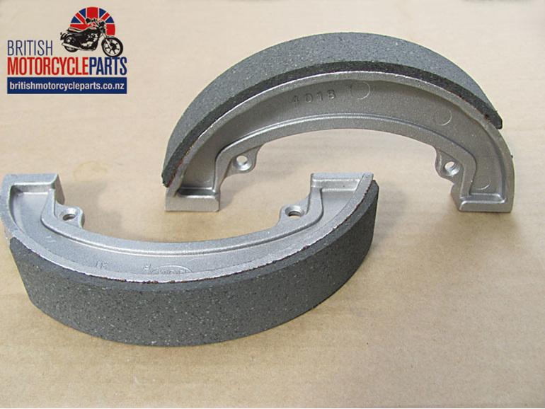 37-2925 Triumph T120 T140 T150 A65 A75 Brake Shoes - Conical Rear