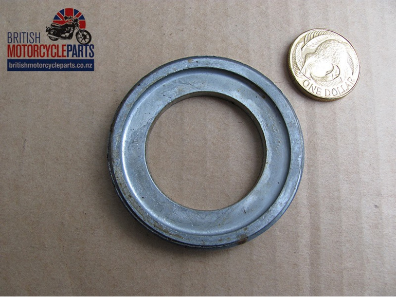 37-4134 LH Bearing Lock Ring - Front & Rear - Triumph Disc - British Bike Spares