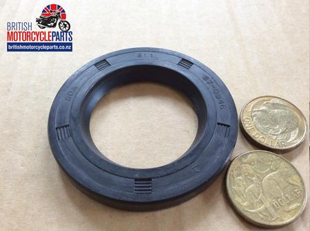 57-0946 68-0027 Gearbox Sprocket Oil Seal - 4 Speed