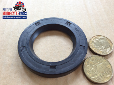 57-0946 68-0027 Gearbox Sprocket Oil Seal - 4 Speed