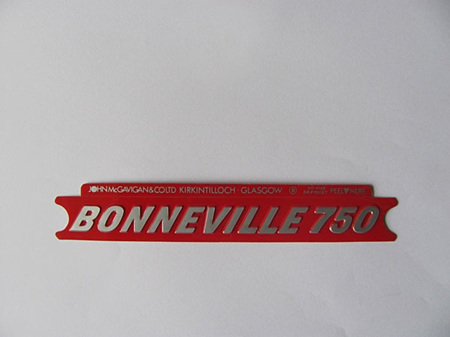 60-4148 Bonneville 750 Side Cover Badge Silver/Red