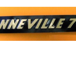 60-4385 Bonneville 750 Side Cover Badge Gold/Black