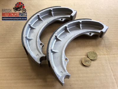 67-5558 Brake Shoes - Front - BSA 8 inch - 1/2 Width