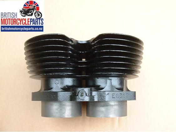 70-6304 Triumph T120 TR6 cylinder block barrels 650cc unit engine 1967 on