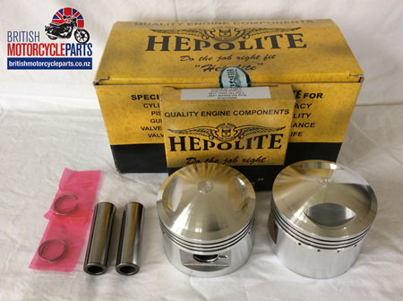 71-3676 T140 TR7 750cc Pistons & Ring Sets 19255