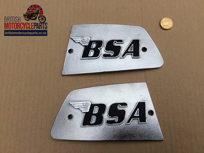 82-8610 82-8611 Petrol Tank Badges - BSA A75