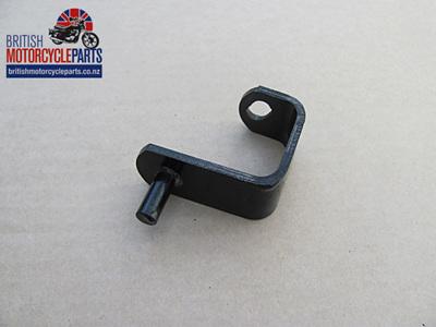 82-9588 Oil Tank Bottom Bracket - T150