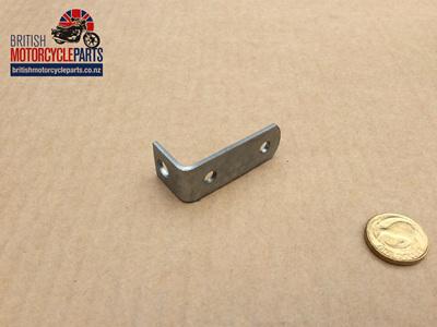 83-4898 Bracket - Choke Lever - T140