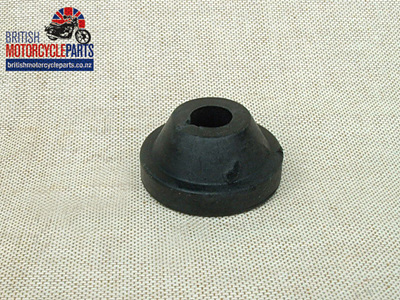 83-4934 Fuel Tank Centre Mounting Rubber