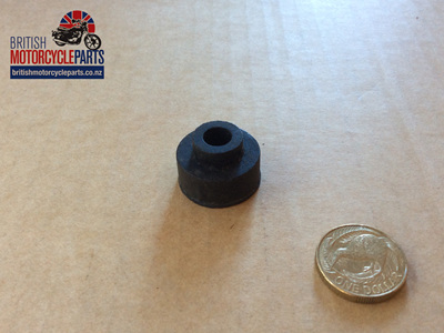 83-5618 Petrol Tank Rear Mounting Rubber T160