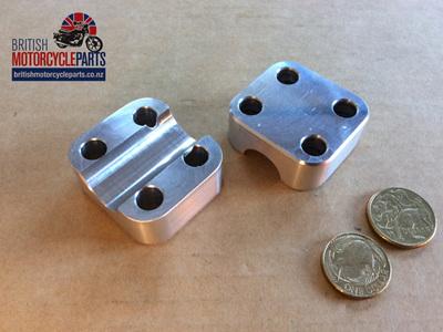 97-7062/82 Axle Clamp T140D - Pair