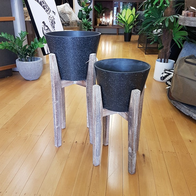 Aaro Planter W Wooden Stand - Black