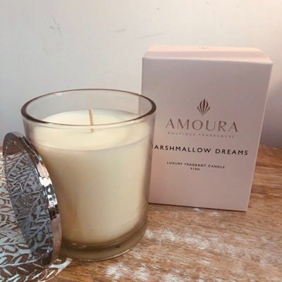 Amoura Marshmallow Dreams Luxury Candle - L