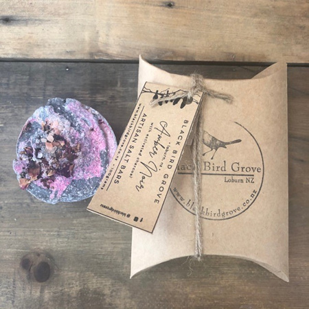 Black Bird Grove Salt Bar - Amber Noir