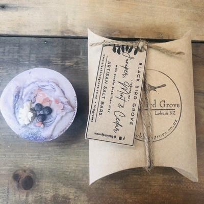 Black Bird Grove Salt Bar - Juniper, Mint & Cedar
