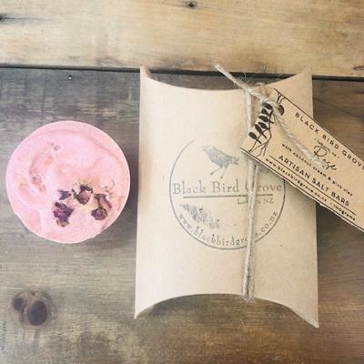 Black Bird Grove Salt Bar - Rose & Coconut Cream