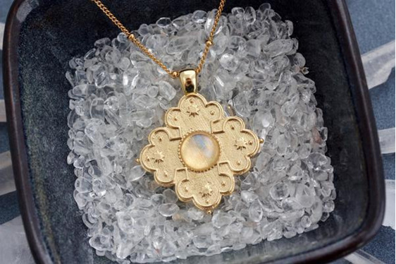 Cloud Nine Full Moon Necklace Gold