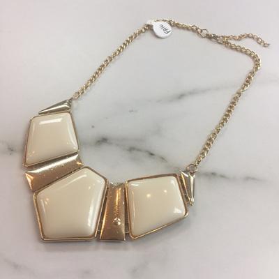 Collar Necklace - Butter Cream