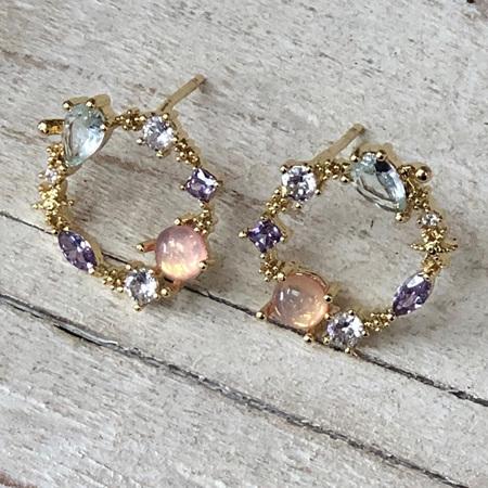 Dainty Wreath Earrings Pink