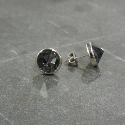Delia Stud Earrings Grey