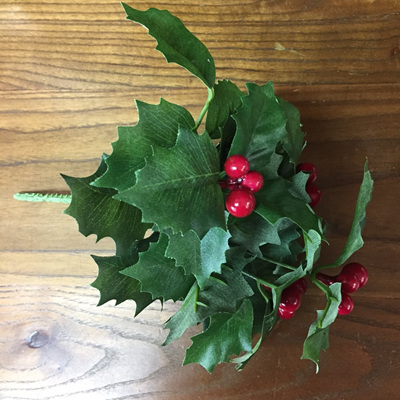 Holly Bunch 22cm
