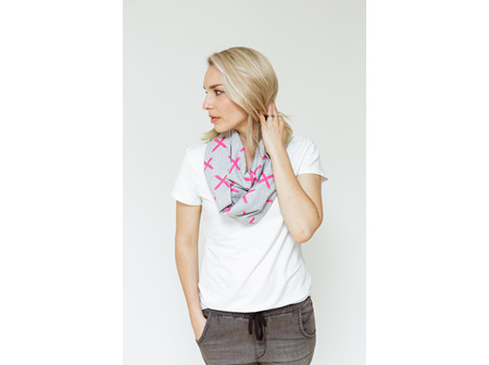 INFINITY SCARF GREY WITH PINK X