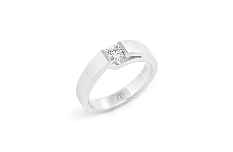 Inspired Lidz Delicate Diamond Ring
