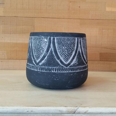Jedda Planter - Black H16x20cm