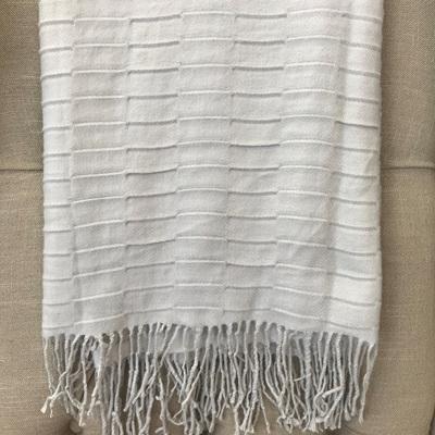 Knit Tassel Trim Throw - Grey