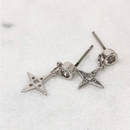 LINDI KINGI STAR STUD EARRINGS PLATINUM