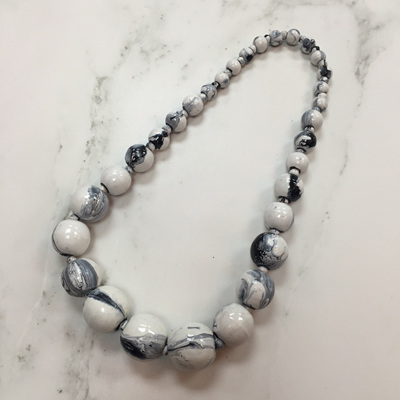 Marbled Graduating Necklace - White