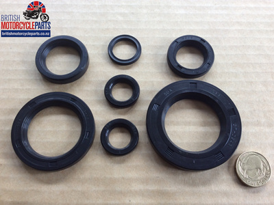 Oil Seal Set - Triumph 650cc 1963-71