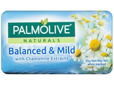 Palmolive Naturals Bar Soap Balanced & Mild Chamomile Extracts 4 x 90g