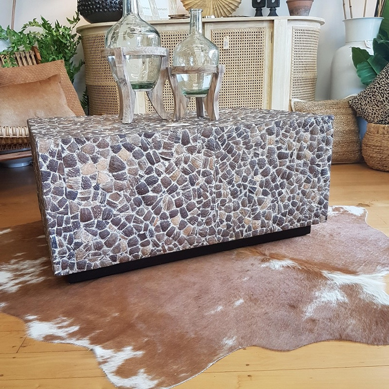 Piedras Coffee Table - White Wash Grain