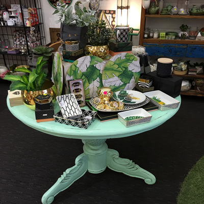 Pineapple Table Round