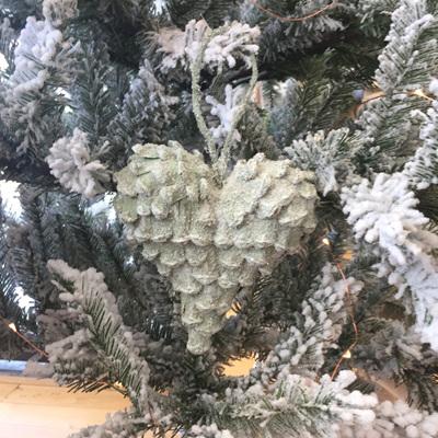 Pinecone Heart Small w/Snow & Glitter