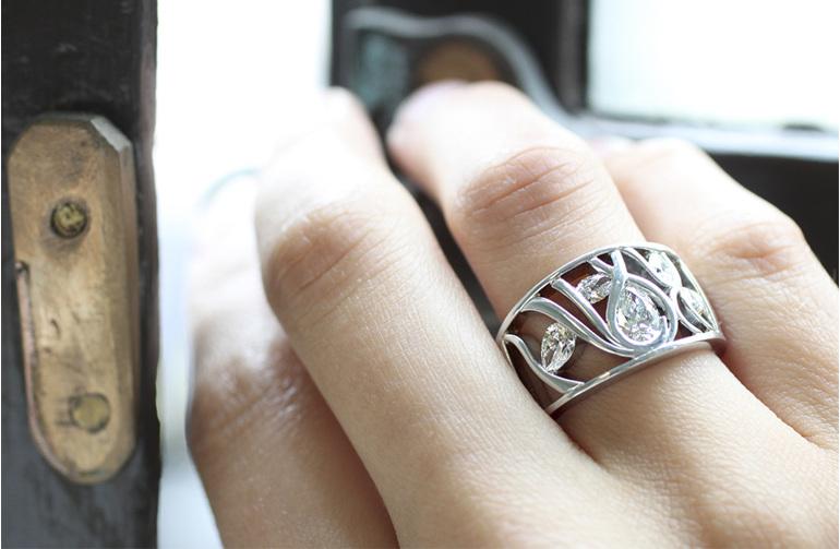 sargasso pear shaped multi stone diamond ring