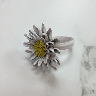 Shasta Daisy Leather Ring - White