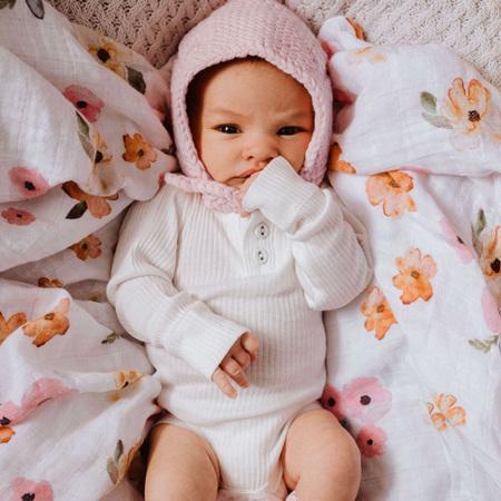Snuggle Hunny Kids - Pink Merino Wool Bonnet & Booties Set