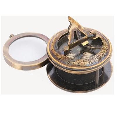 Sundial w Magnifying Lens