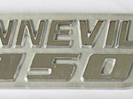 83-7252 Bonneville 750 Badge 79on Silver/Grey