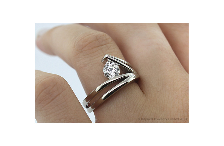 waved surfing diamond ring