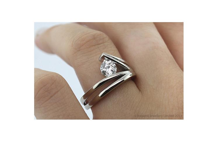 waved surfing diamond ring